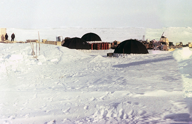 Polar explorers at the North Pole 11 Soviet drifting ice station