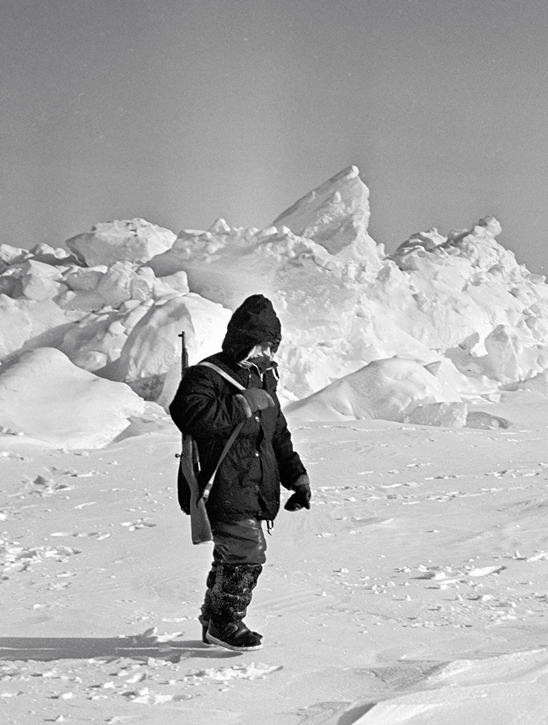The North Pole-12 station's chief Nikolai Kudryavtsev, Ph.D. (Technology), making a round of his estate