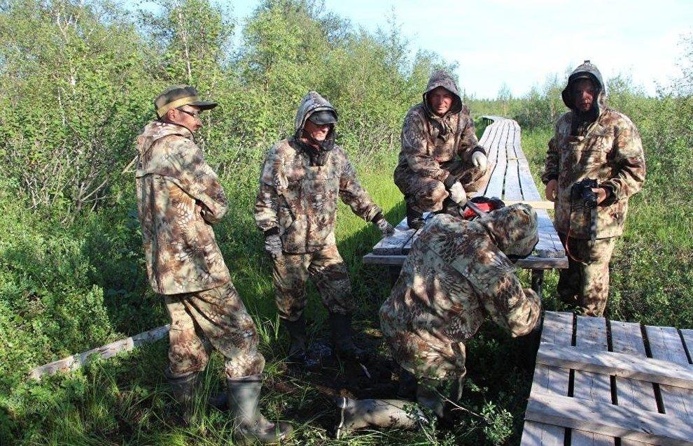 Волонтеры привели в порядок территорию Пустозерского городища, первого русского города в Арктике