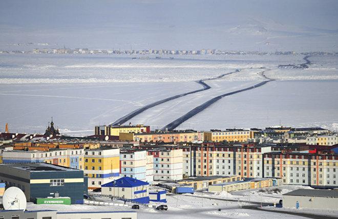Ледовая переправа через лиман, которая соединяет столицу региона с окружным аэропортом Анадырь