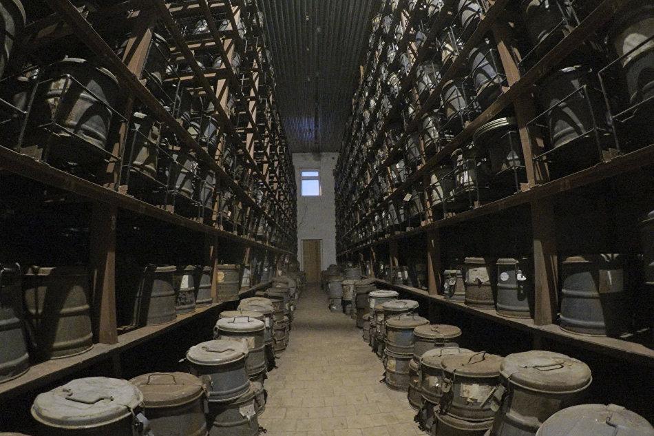 Помещение склада с архивом киноплёнок