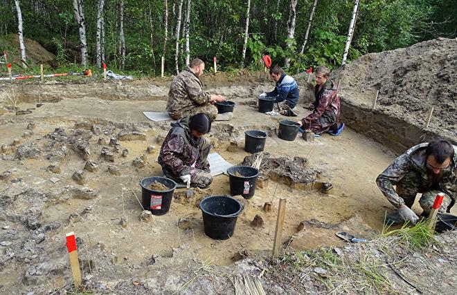 Ямальские учёные нашли остатки древних жилищ и фрагменты керамики эпохи бронзы